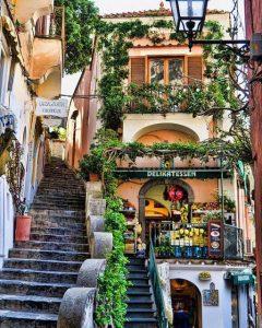 Una scalinata a Positano