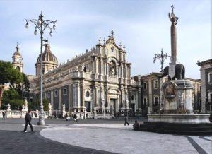 Catania - piazza del Duomo e fontana dell'elefante