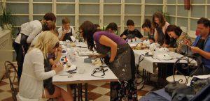 Workshop di creazione di maschere di carnevale