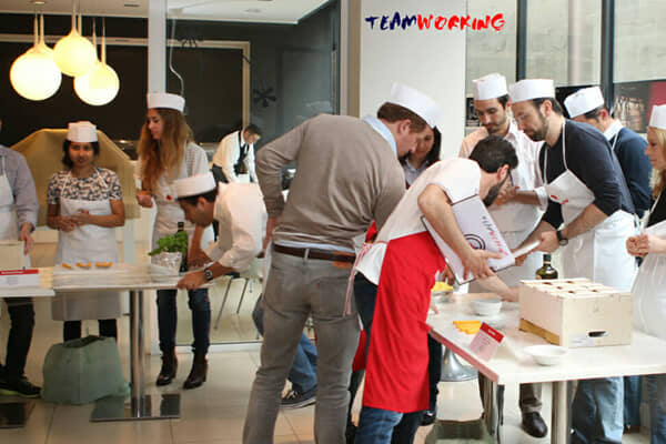 Master Cooking or Master Chef team building