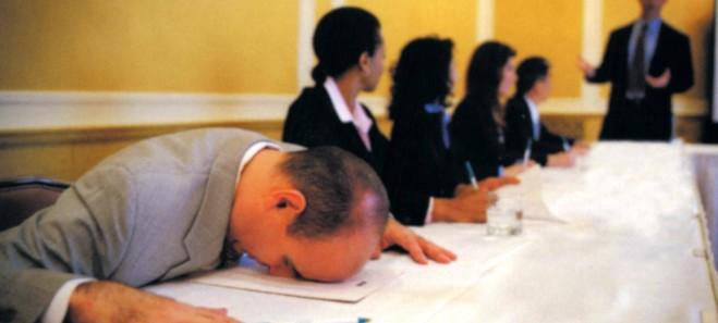 Italiani annoiati sul lavoro